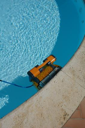Pool Liner Repair in Banta CA by Tracy Pool Service and Repair Inc
